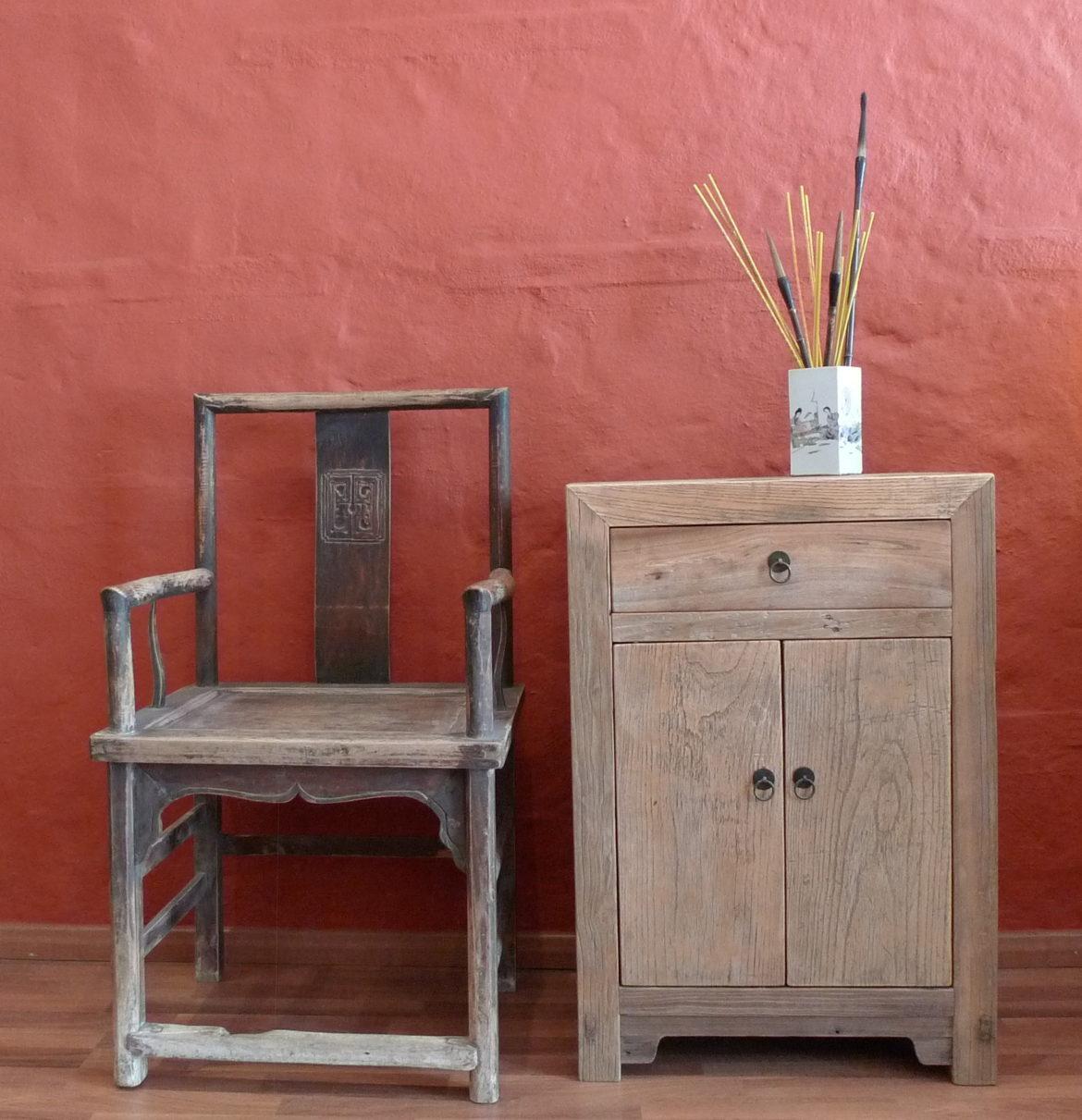 Silla y peque o mueble jade menorca - Muebles menorca ...